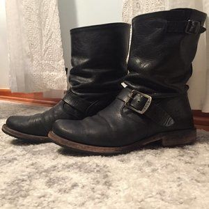 Frye Veronica Slouchy Short Boots in Size 7